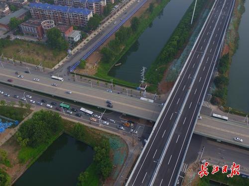 杭州搬迁 公司上班日早高峰,汉飞大道马池路口通顺