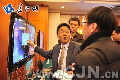 该公司公众客户部副主任苏继忠表示,目前,中国骨干网带宽22个t,国际