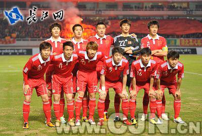 中国男足在汉1比1战平新西兰