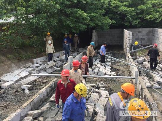 风景区联合执法拆除违建 助力东湖绿道二期