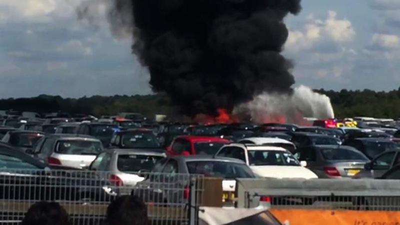 本拉登家族私人飞机坠毁伦敦公路