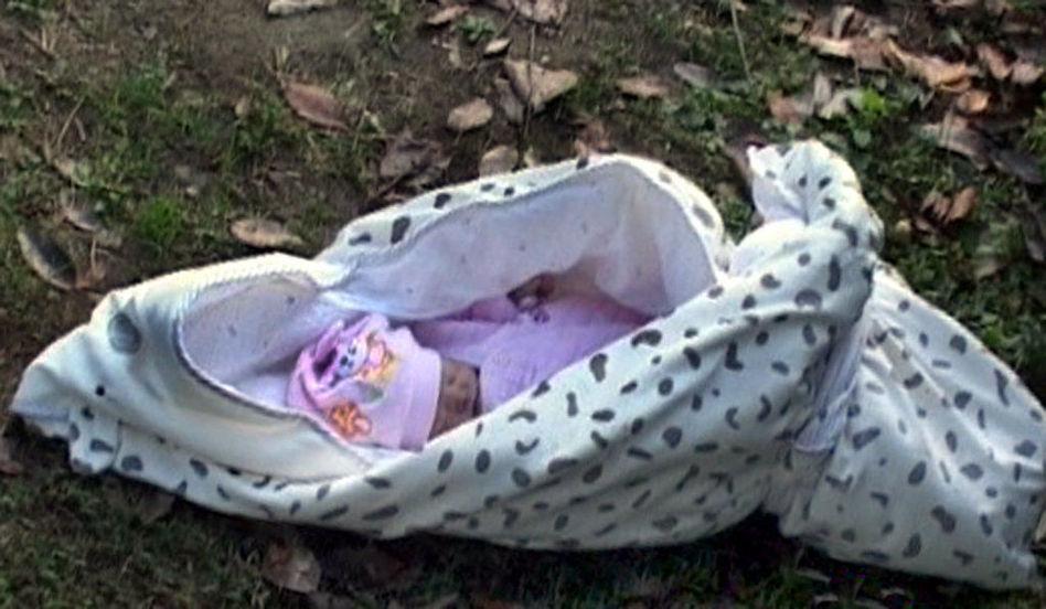 南京刚出生婴儿被遗弃冻死 警方追查狠心父母(图)图片