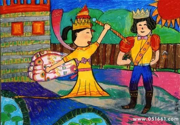 【新年期待新王子】 昨天,福州一位小学老师发布了一条微博,微博图片中是该老师班上的学生写的作文。在作文中,这位小朋友讲了这么一个童话故事:很久很久以前,一个王国的王子和一位王国最美的公主结婚了。可没几天,王子却发现这公主和另一个男性朋友走得很近。这男的是谁?