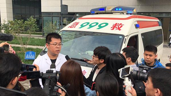 北京车祸中学生仍在ICU抢救,急救车队提前近3小