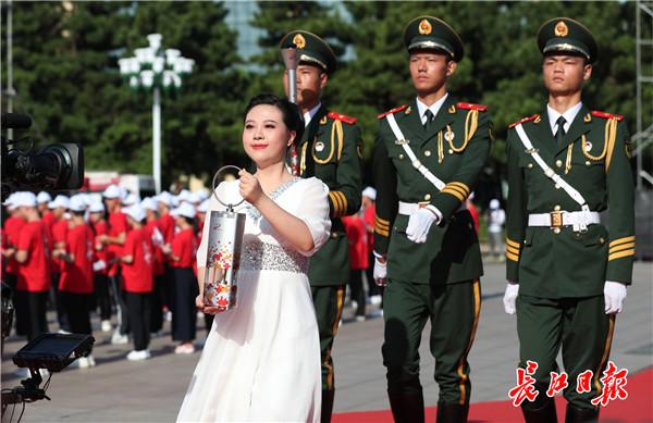 武汉军运会火炬传递的火种 在这里采集,圣火在南昌八一起义纪念馆