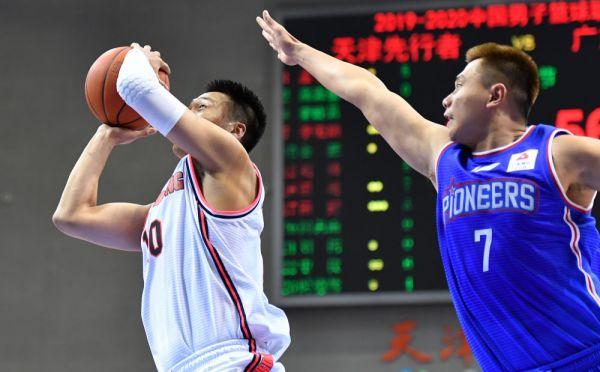 CBA联赛:广东、广厦轻松取胜,四川客场逆转山