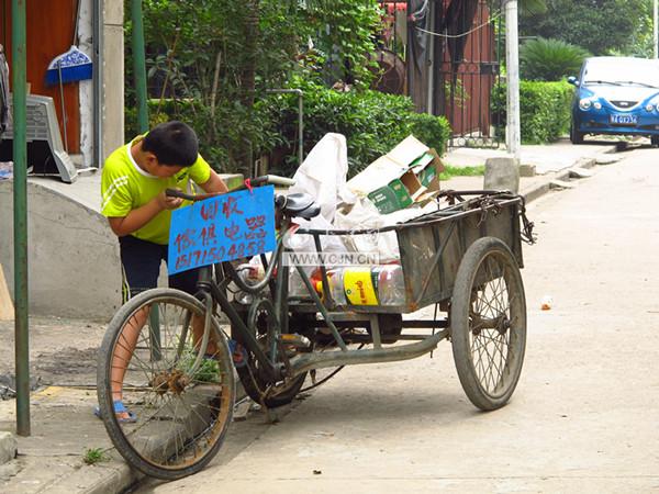 梦见骑三轮车卖东西