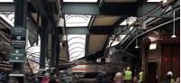 美国火车撞月台