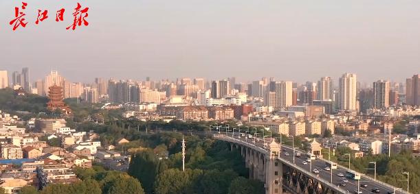 武汉长江大桥是这样建成的