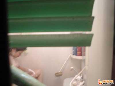 日本wc偷拍_广西男子厕所装摄像头偷拍女护士洗澡