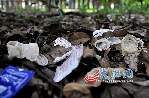 南昌一图纸现大量避孕套戏称扒衣布衣3d今天公园图+公园图片