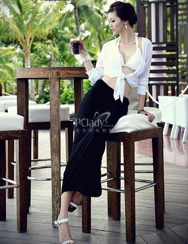 深蓝色长裙怎么搭配_红白相间的抹胸上衣搭配深蓝色长裙_PClady美