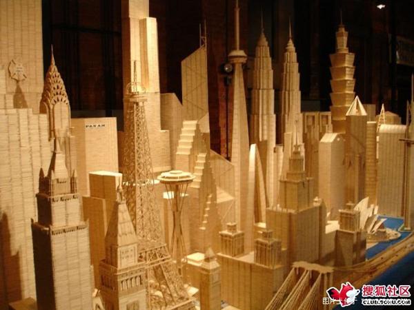 强人用牙签做的世界建筑物