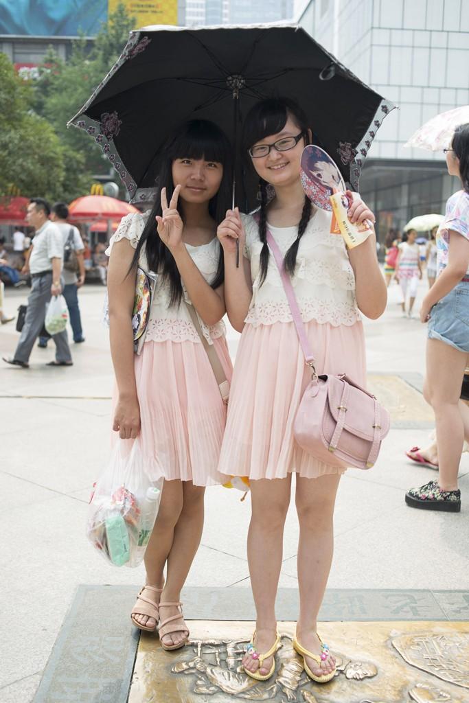 成都武汉重庆最爱街拍PK谁是你心中美女_高潮美女做爱图片