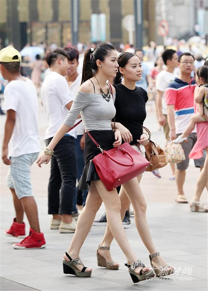 武汉成都重庆美女街拍PK 谁才是你心中最爱