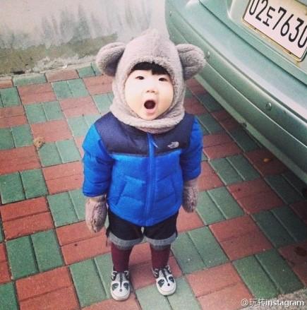 韩国小眼正太照片走红 小宝宝天生喜感挡不住