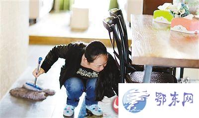 女清洁工拍写真像闫妮 重庆闫妮走红网络