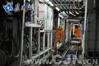 武汉地铁二号线一期土木工程年底完工