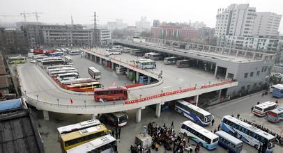 """火车站,轨道交通1,2,3,4号线地铁站和飞机场,简称""""三站一场"""")文明程度"""