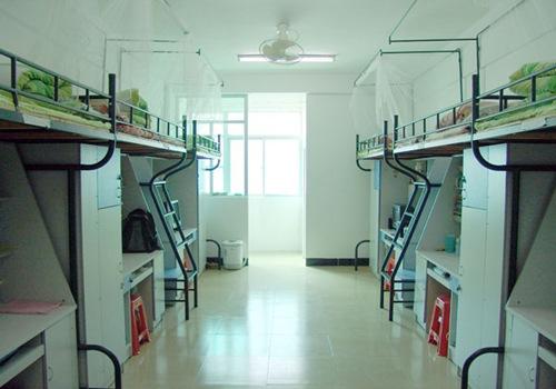 武汉一大学寝室白天断电 有特殊需求得填供电申请表