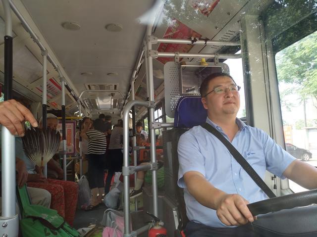 长江水位持续上涨 天兴洲近三百村民正疏散转移