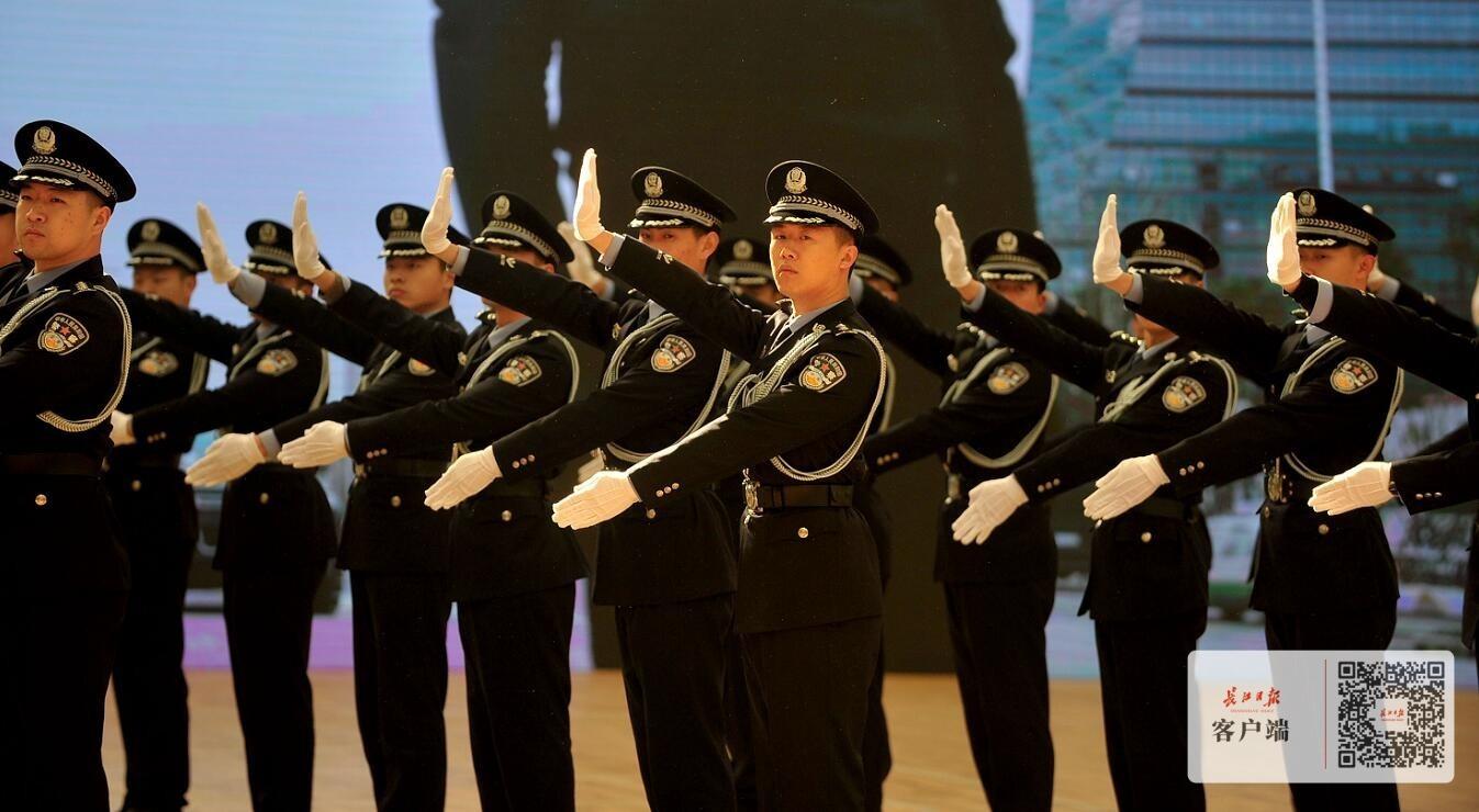 武汉公安展开全警全年大练兵,在湖北尚属首次