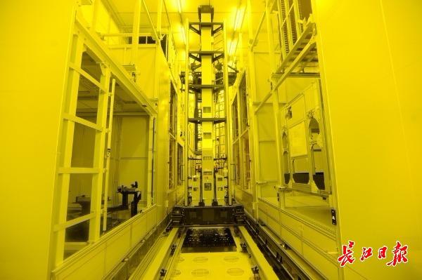 太阳能武汉两企业步入全球头阵:光传输容量再达国际先进水平,世界最大低温多晶硅单体工厂即将建成