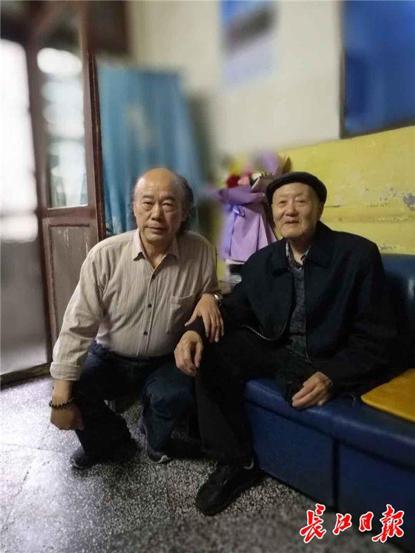 3000行长诗颂英雄,《中国,一个老兵的故事》再
