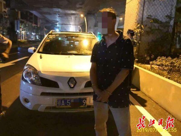 遇查酒驾,他紧锁车窗,没想到碰上硬核交警