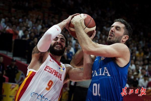 篮球世界杯:西班牙险胜意大利晋级8强丨图集
