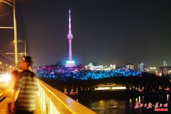 灯光秀,用创意再造城市之夜
