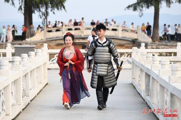 婚庆宫灯组装步骤图