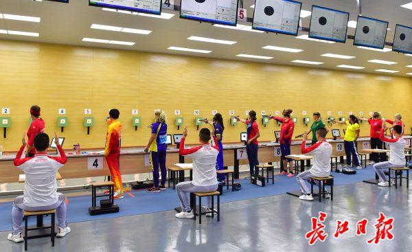 军运会射击比赛,中国队和巴西队包揽前三名