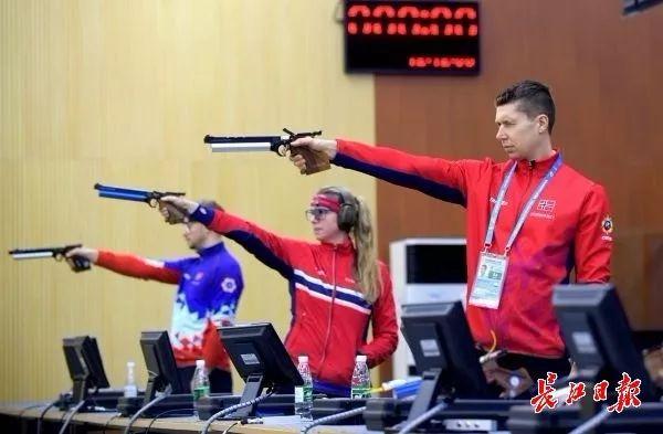 什么兼职赚钱:早安武汉丨381把枪,入库!军运会最新验枪现场