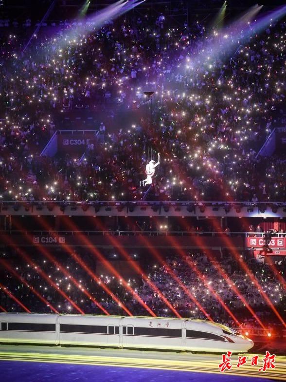 武汉夜网_你看到的武汉十二时辰,其实是1400多个日夜