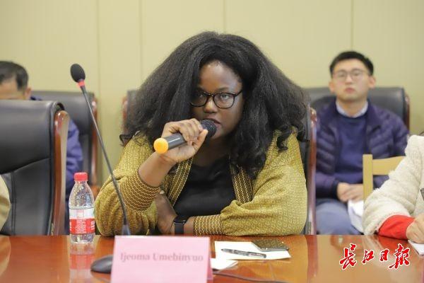 中外诗人武汉话诗:走过很多国家,中国诗歌最有活力