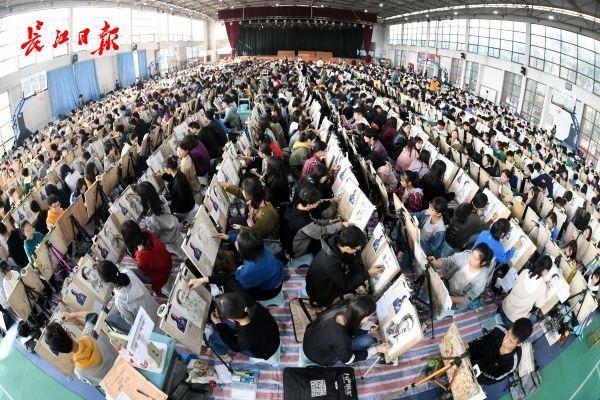 湖北省2020年美术统考分数线划定:本科186分