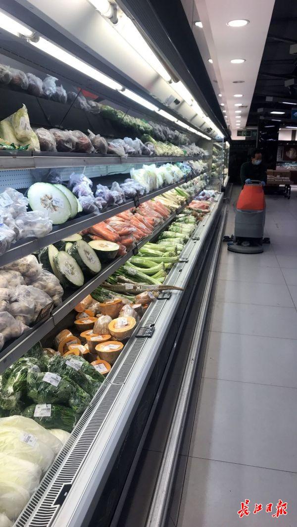 进超市前手脚都要消毒,购物人数达到100人将启动限流属猴办公室风水布局