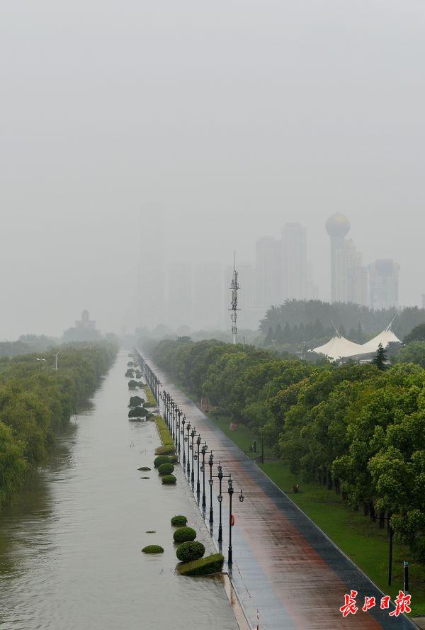"""长江流域进入""""七下八上""""关键期,防洪形势不容乐观"""