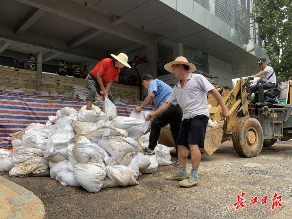 武汉21日出梅,高水位带来的防汛压力并未减轻