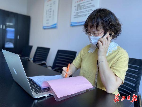 疫情防控、垃圾清理、心理咨询……志愿者成社区治理重要力量