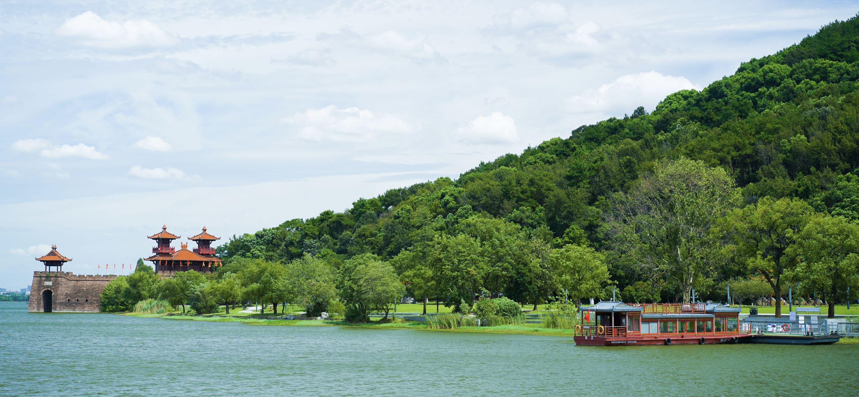 本周六,一起跟着手工艺人荡舟东湖造梦吧