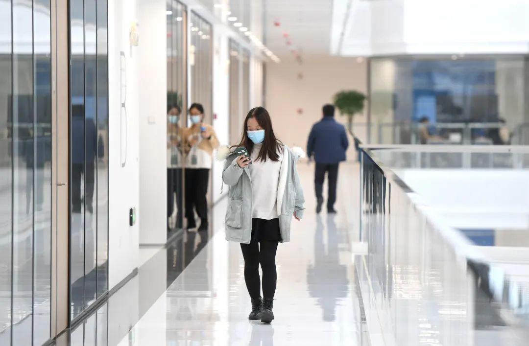 近800人进驻办公,联影武汉总部基地项目一期投用