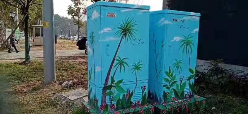大学生们来创作,街头交接箱柜变身城市画板