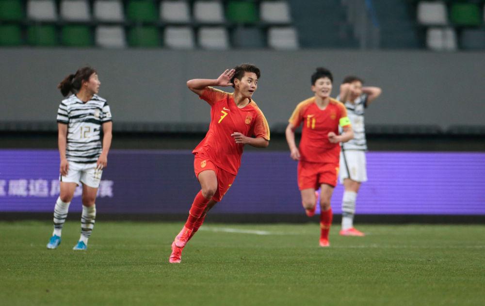 """""""对不起,让大家心跳了!""""中韩女足对决赛后,贾秀全连说四个""""不容易"""""""