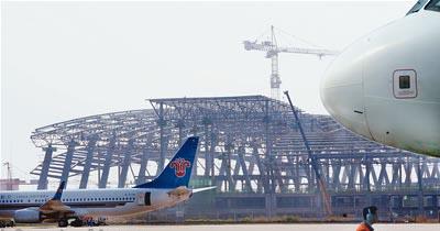 武汉天河机场新航站楼钢结构已初步显现