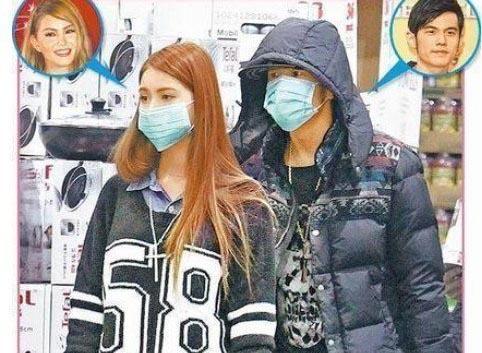 周杰伦与女友昆凌一同逛街被跟拍