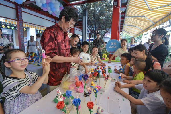 江岸区旅游文化节19日启幕,三大市集延续至国庆