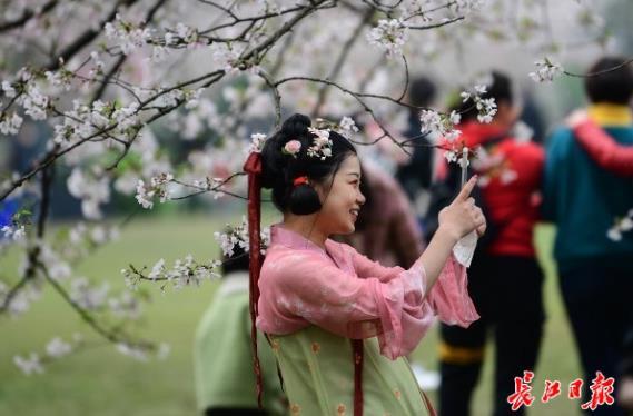 春分游东湖