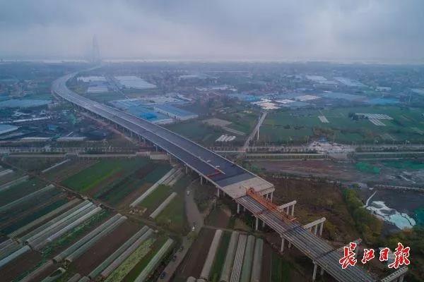 绕城高速公路与四环线共线段扩建